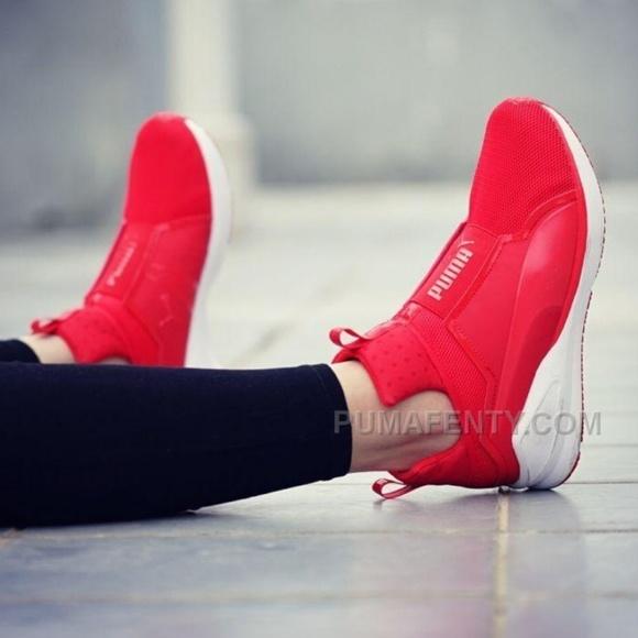 best service 0b48e d4b12 Rihanna Puma Fenty Slip-on Sneakers